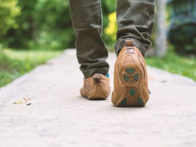 Διαλείπουσα χωλότητα: Ο πόνος που ξεκινάει με το περπάτημα