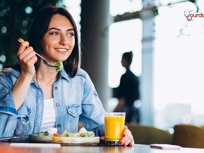 Η χαμηλή σε υδατάνθρακες διατροφή βοηθά το μεταβολισμό