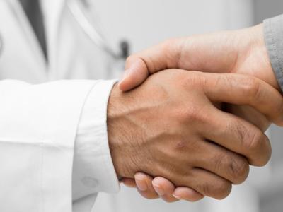 Η αφοσίωση σε ένα γιατρό σχετίζεται με λιγότερες επισκέψεις στο νοσοκομείο